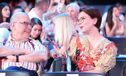 Жена Петросяна впервые опубликовала фото с сыном и вызвала восхищение
