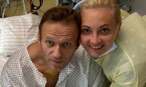 Кто отравил Навального: никто бы не подумал