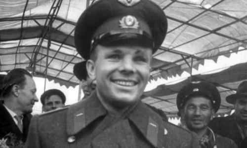 Дочь Юрия Гагарина решила приватизировать его имя