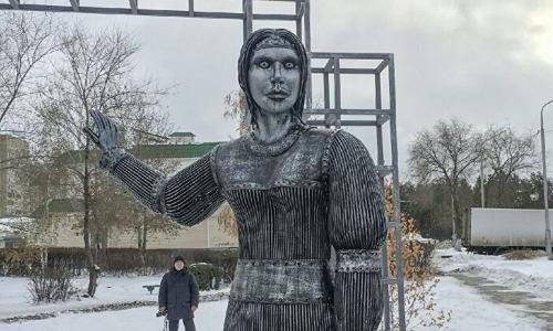 Аленка придет за тобой. Страшный памятник из Нововоронежа напугал весь мир