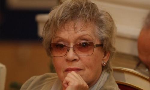 Алиса Фрейндлих попала в реанимацию с обширным поражением легких