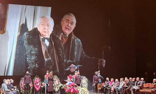 Табаков забирает друзей: работники рассказали о мистике в Театре имени Чехова