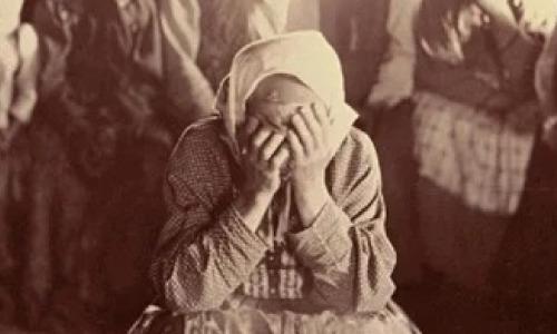 Плакальщицы: зачем их приглашали на похороны