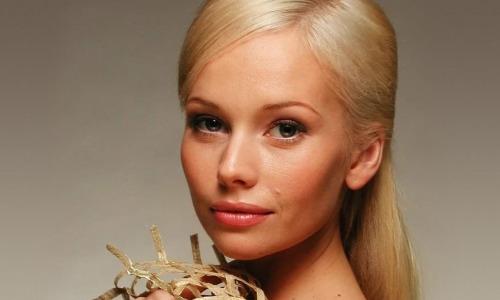 Свежее фото: как сейчас выглядит 48-летняя Елена Корикова