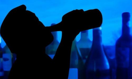 Врач назвал привычки, провоцирующие онкологию