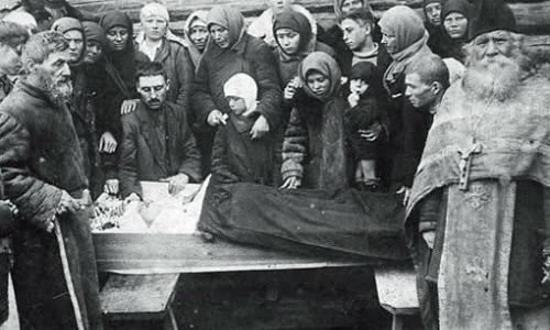 Порядок прощания с покойным у русских: кто из родных прощается первым