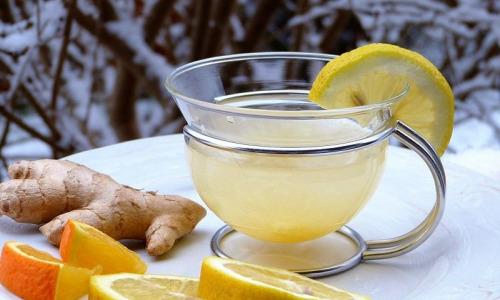 Напиток из имбиря, яблока и лимона очистит кишечник от токсинов