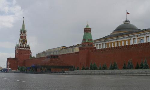 """Кремль прокомментировал слухи о программе """"вживления чипов"""" в мозг"""